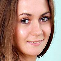 slim brunette teen