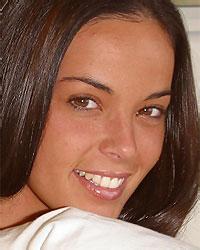 hot brunette beautie